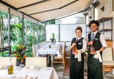 Wedding-servers